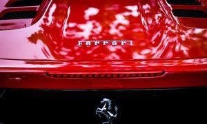 Otvorenie Ferrari - zabuchnuté kľúče vo Ferrari